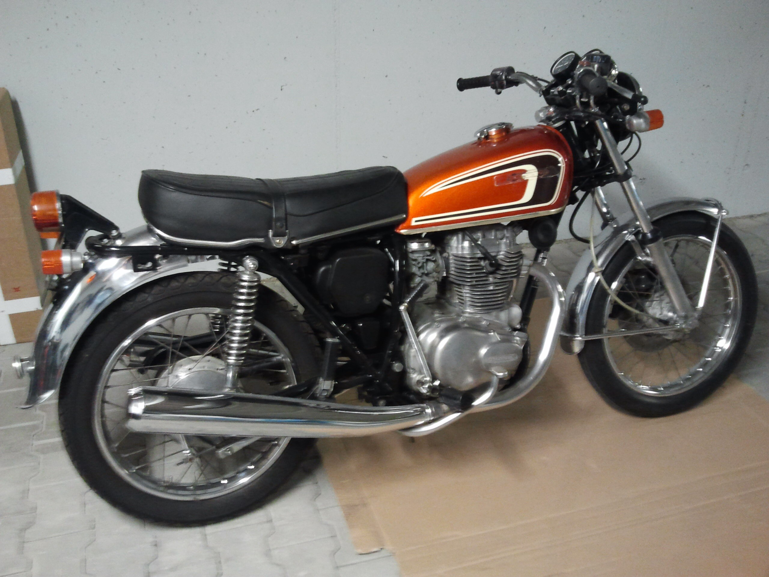 honda cb 250 g 1975 from falang. Black Bedroom Furniture Sets. Home Design Ideas