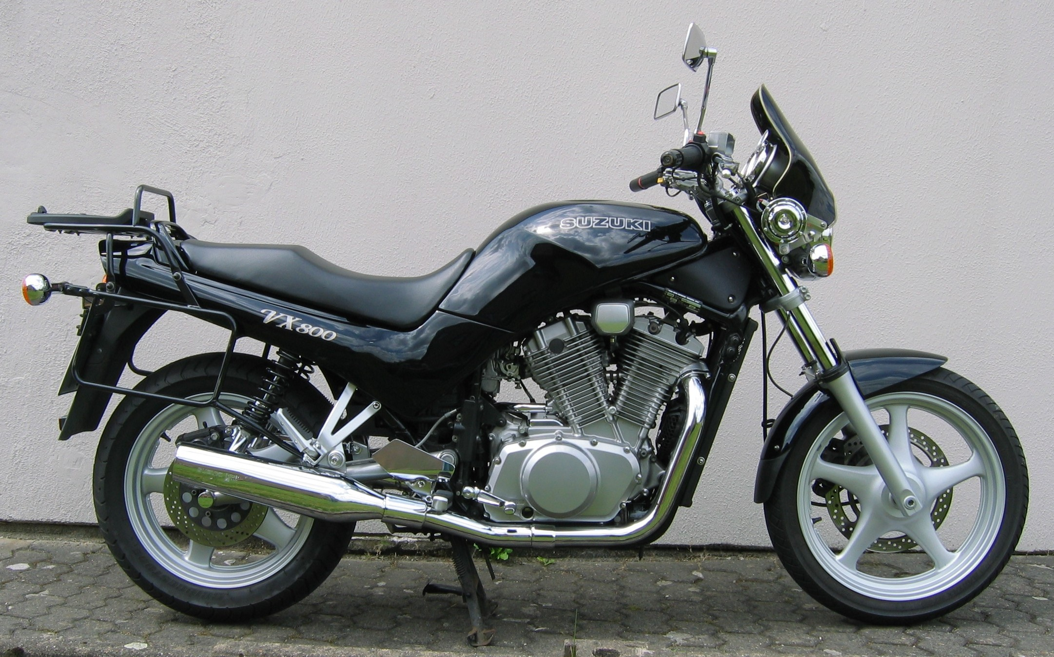 1995 Suzuki VX 800 specifications and pictures