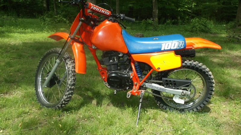 besides  together with  furthermore S L in addition S L. on 2000 honda xr100r parts