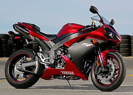 yamaha r1 fast and cool