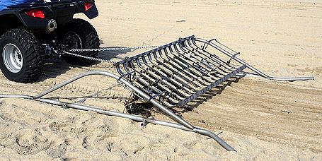 Honda Begins Beach Clean Project